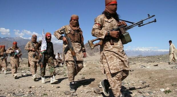 Alcuni soldati dell'esercito talebano