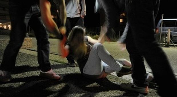 Roma, violenze sessuali: due minorenni e una trentenne aggredite nella notte, due arresti
