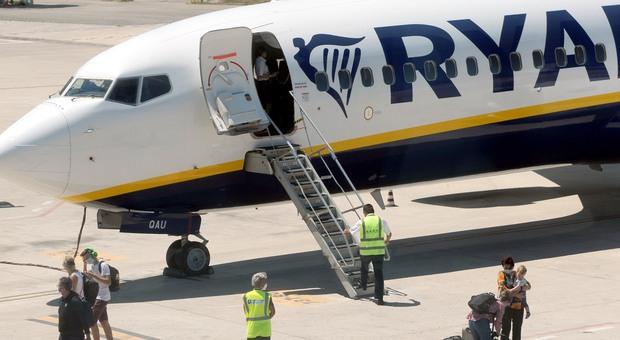 Variante inglese, tre positivi e due dubbi sul volo Ryanair da Londra atterrato ieri sera a Palermo