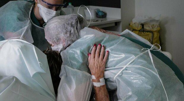 Malati non-Covid dimenticati oltre due milioni si indebitano per farsi curare dai privati