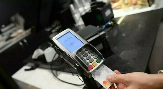 Cashback, messaggio sull'app per i furbetti dei mini pagamenti: agli utenti 7 giorni per segnalare errori