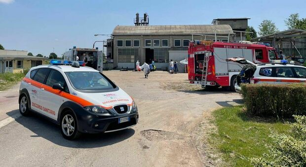 Pavia, si rompe il tubo del vapore: due operai morti in ditta