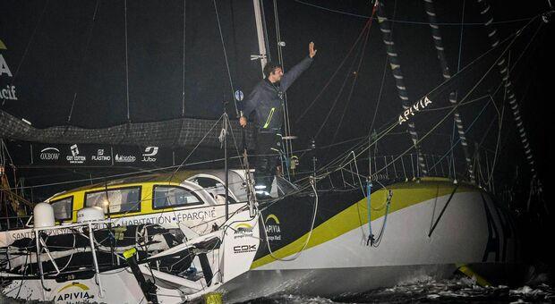 Charlie Dalin con Aprivia , taglia per primo la IX Vendée Globe