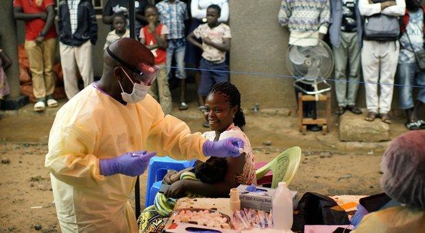 Ebola, i morti in Congo sono oltre 1.700. Oms dichiara lo stato di emergenza internazionale