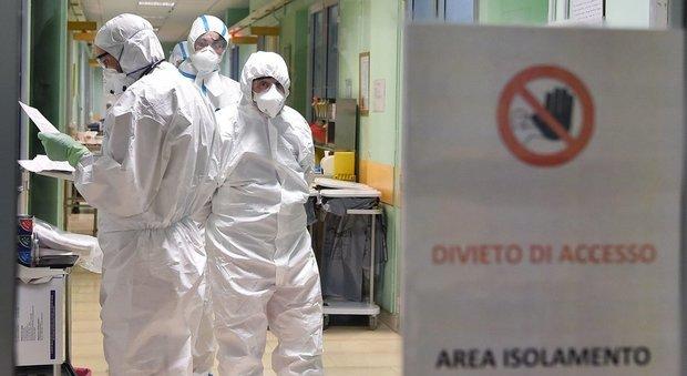 Coronavirus, morti 24 medici. L'Ordine: fare tamponi a tutti