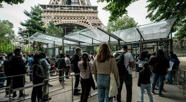 Variante Delta, nuovo picco di contagi in Francia: 12.532 contagi in un giorno, record da metà maggio