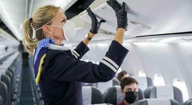 Dcpm, sugli aerei nessun distanziamento e bagagli in cappelliera e gli autobus possono saltare una fermata