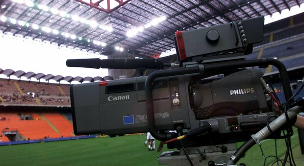 Diritti tv, Serie A ancora in stallo: la decisione slitta alla prossima settimana