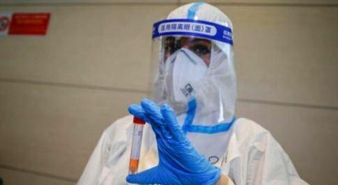 Covid, sei persone muoiono a Malta nonostante vaccino e richiamo: «Immunizzazione non completa»