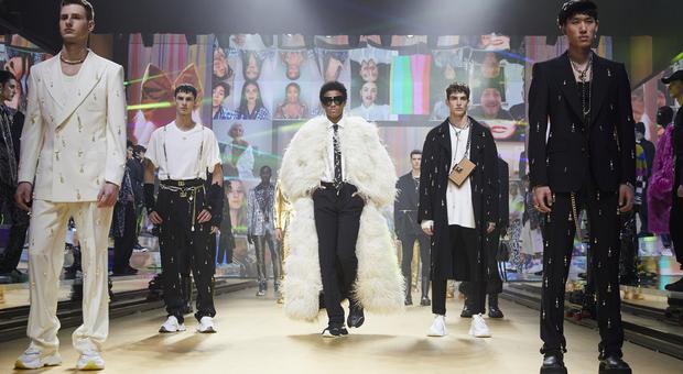 Dolce&Gabbana sfilano in streaming con #DGTogether: «La nuova collezione nasce insieme ai social»