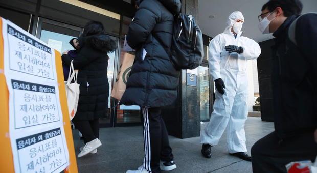 Coronavirus: Cina, Corea del Sud e Giappone il bilancio dei contagi nelle ultime ore. E Tokyo ammette l'errore sulla Diamond Princess