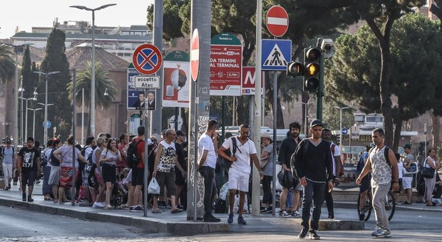 Rome, bus nightmare: 500 vehicles less, double expectations