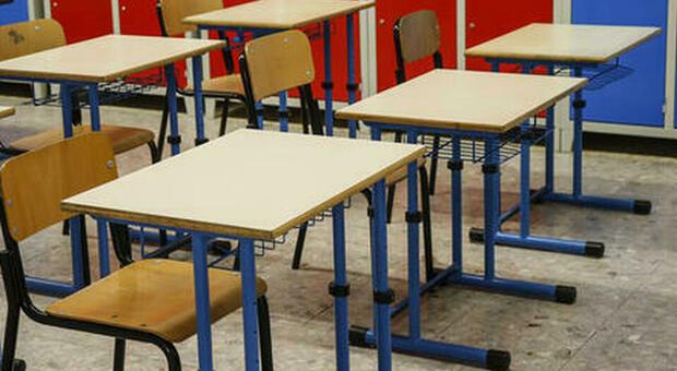 Scuola, caos graduatorie: a Palermo docente con 52 anni di servizio. Ira sindacati