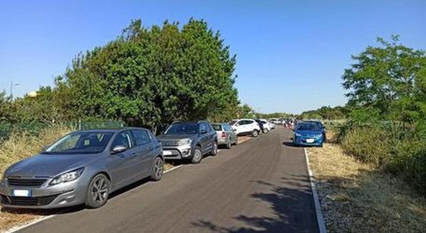 Parcheggio selvaggio nella Via Verde, Pupillo: «Una vergogna»