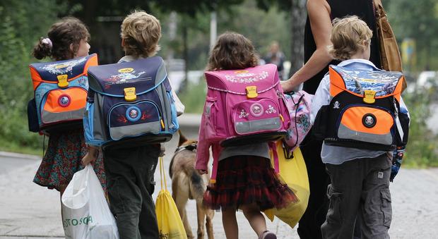 Roma, scuola nel caos, esordio choc: disabili lasciati a casa e topi in classe