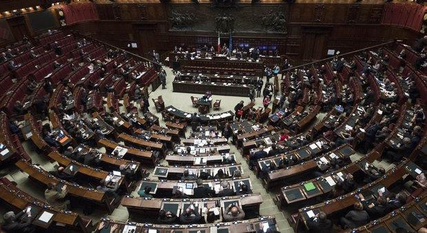 Stipendi d 39 oro cade il tetto fissato per camera e senato for Camera del senato e dei deputati