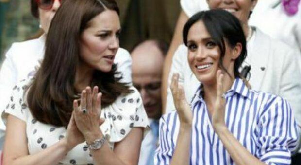 Meghan Markle sorpassa Kate Middleton: è lei a dettare le regole outfit nella Royal Family