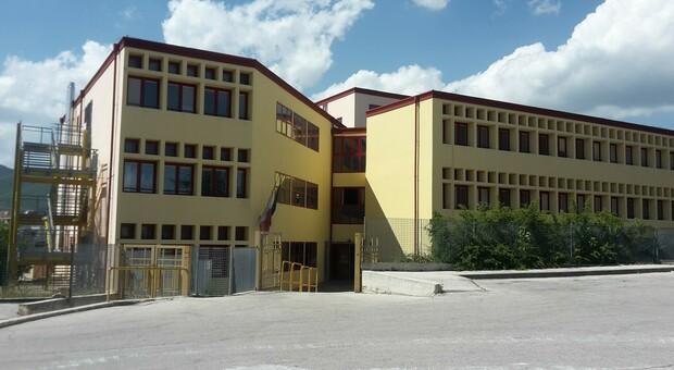 La scuola media Dante Alighieri dell'Aquila