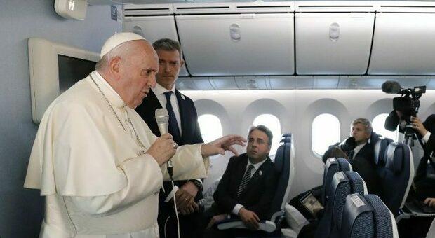 Il Papa a tutto campo, il covid, la comunione a Biden e le nozze gay non ammesse dalla Chiesa