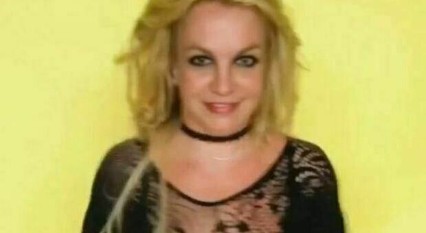 Britney Spears, ballo con body di pizzo trasparente dopo la vittoria legale sul padre