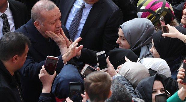 Amministrative, duro colpo a Erdogan Perde Ankara, in bilico Istanbul