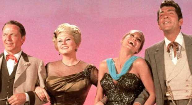 Stasera in tv su Iris «I quattro del Texas»: trama del film con Frank Sinatra. Ecco quanto proposero a Sophia Loren