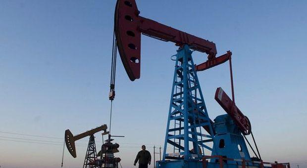 Petrolio, accordo Ryad-Russia per taglio barili: Wti a +30%