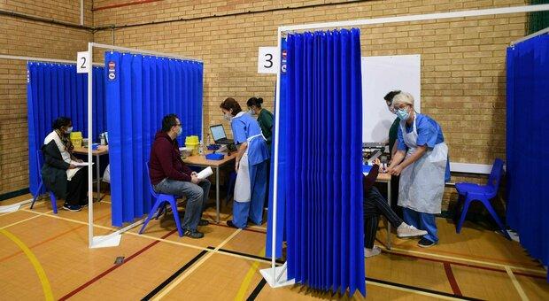 Gran Bretagna, «vaccinato un milione di persone». Johnson: più del resto d'Europa messo insieme
