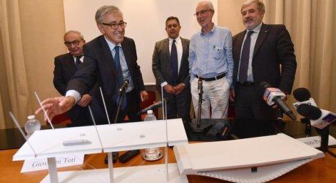 Genova, Castellucci rompe il plastico del nuovo ponte di Piano
