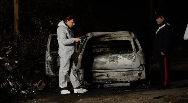 Bruciarono e uccisero «per gioco» un clochard: sentenza sospesa e messa in prova.
