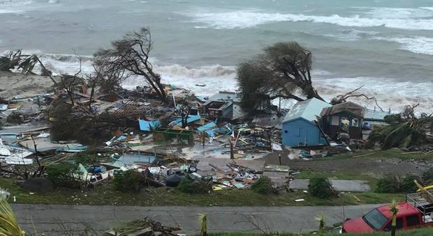 Isole Vergini britanniche rase al suolo dall'uragano Irma, l'appello di una romana: «Ci sono italiani dispersi, aiutateci»