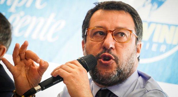Salvini attacca M5S: «Troppe liti? Se va avanti così tagliamo la testa al toro, a settembre al voto»