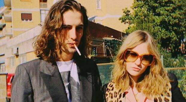 Maneskin, Damiano e Victoria positivi: «Rimanete distanziati e usate le mascherine»