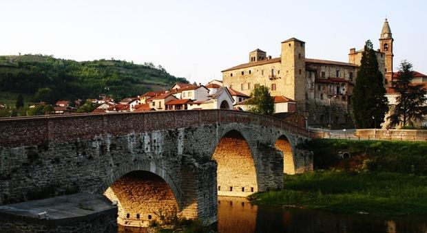 immagine «Bonus di 2.000 euro a chi viene a vivere qui»: il paese dei balocchi esiste ed è in Italia