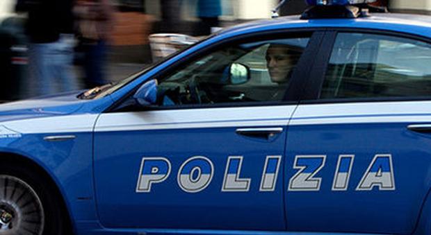 Roma, paura a San Giovanni: pensionato spara da un terrazzo