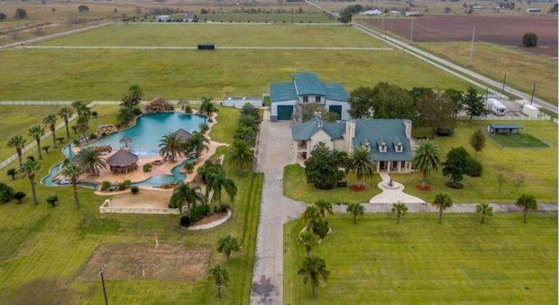 La Villa Con La Piscina Privata Piu Grande Del Mondo E In Vendita Costa 3 5 Milioni Di Dollari