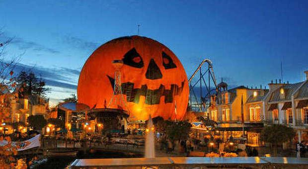 Zucca Di Halloween Piu Grande Del Mondo.Tutti Pazzi Per Halloween Ecco Le Feste Piu Horror D Europa