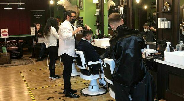 Zona arancione, a Latina assalto a parrucchieri ed estetiste