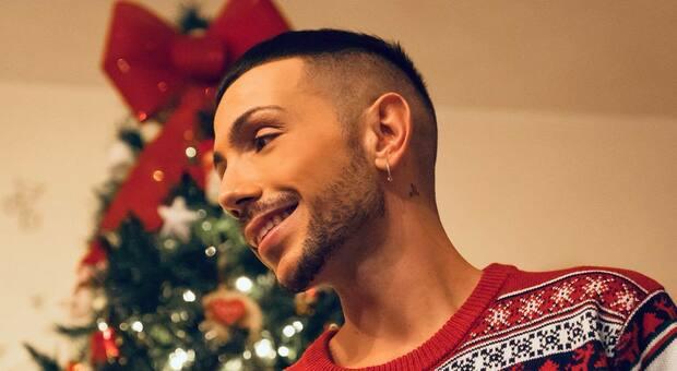 This Christmas, il singolo di Manuel Aspidi scritto e prodotto da Phil Palmer dei Dire Straits