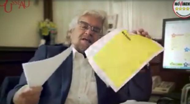 Grillo lascia Roma e avverte: «Tagliate i super stipendi»