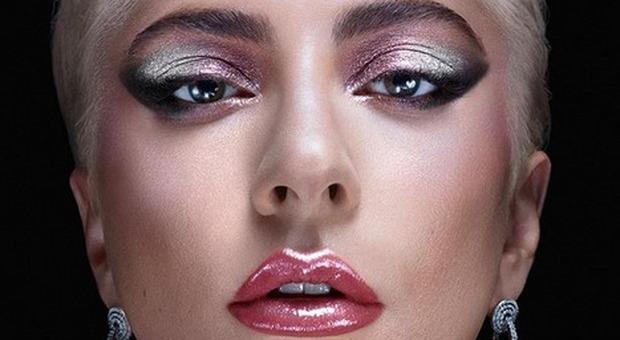 La rivelazione della cantante: «Ho iniziato a truccarmi per essere forte come mia madre, così è nata Lady Gaga»