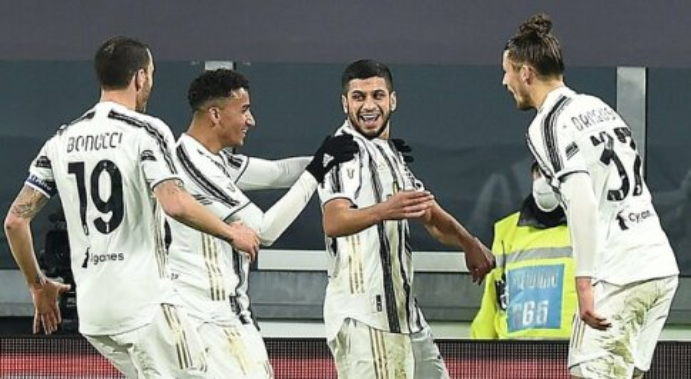 La Juve soffre contro il Genoa, ma passa ai supplementari: Rafià spinge Pirlo ai quarti