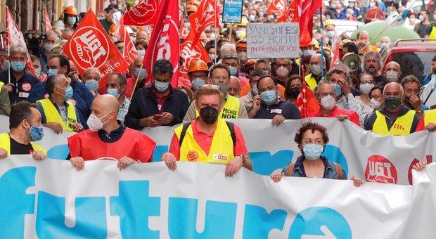 Coronavirus in Spagna, dopo la Catalogna nuovo focolaio in Galizia : altre 70 mila persone in lockdown