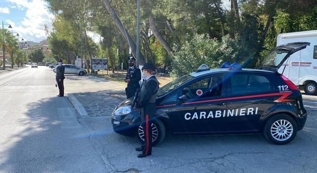 Ex maestro picchiato a sangue dai banditi per rapina: i carabinieri risalgono ai primi sospetti