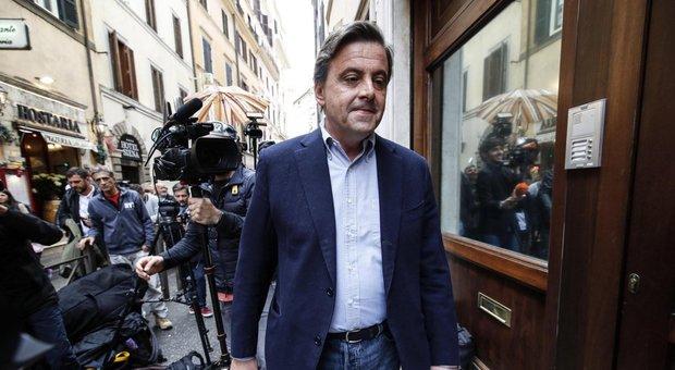 Renzi, Calenda: scissione di Palazzo, servono risposte sui temi veri