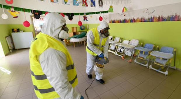 Coronavirus, a scuola stessa riapertura per tutti: dal primo settembre si ricominicia (forse da casa)