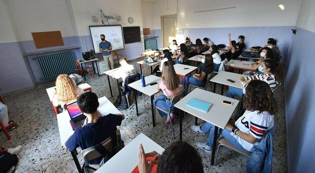 Covid a Fiumicino, 5 positivi tra bimbi e insegnanti e 4 classi in quarantena. D'Amato: «Nel Lazio ad oggi 290 positivi nelle scuole»