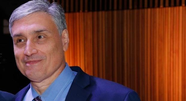 Covid, il virologo Silvestri: «Abbiamo il dovere di tornare a una vita normale»