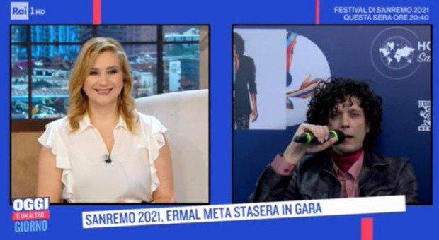 Sanremo 2021, Ermal Meta e la gaffe clamorosa di Serena Bortone: «Sei arrivato in Italia su un barcone». La risposta è epica