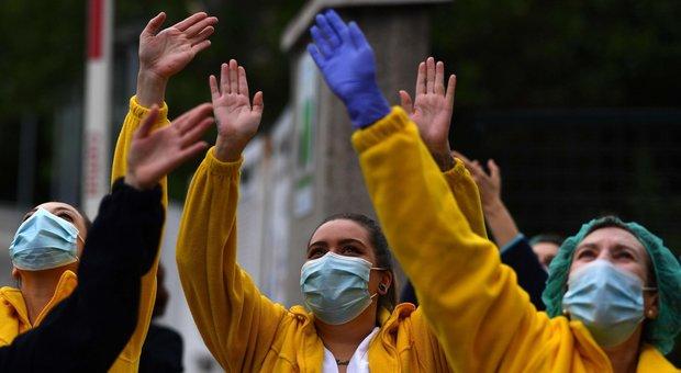 Coronavirus diretta, Spagna: 325 morti in 24 ore, aumento dell'1%, maggiore rispetto a quelli registrati i giorni scorsi